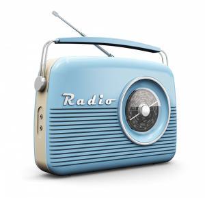 old-radio-600x578